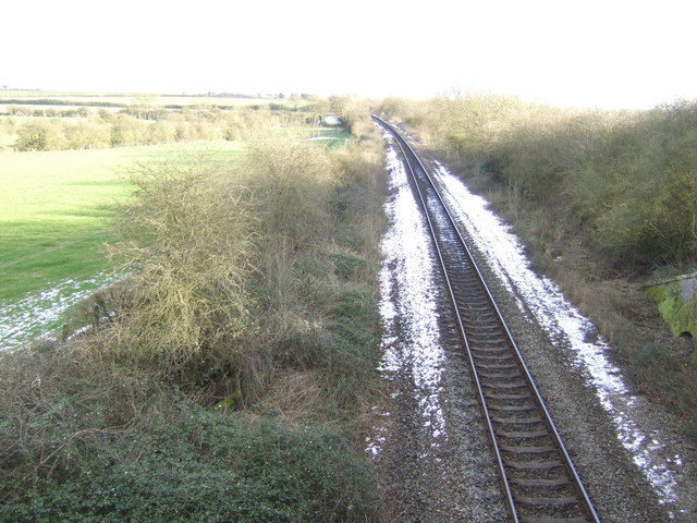 Railway line south to Oxford