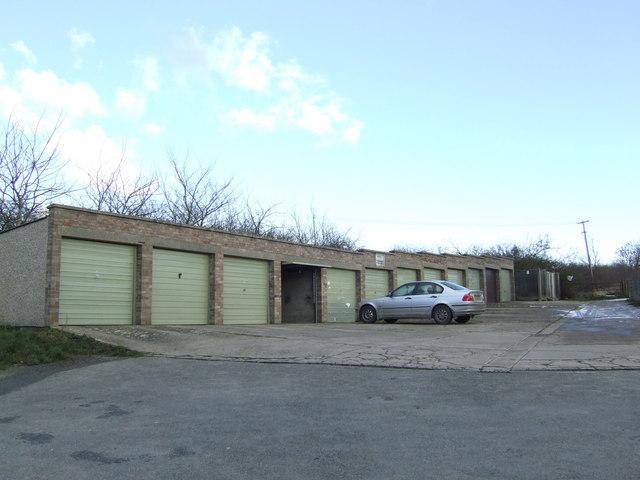 Row of garages, Bladon
