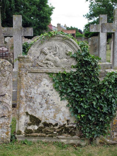St Edmund, Emneth, Norfolk - Churchyard