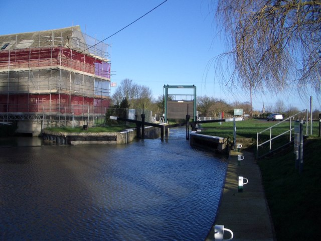 The Lock near Oundle Marina