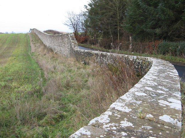 Policy wall, Wedderburn Castle