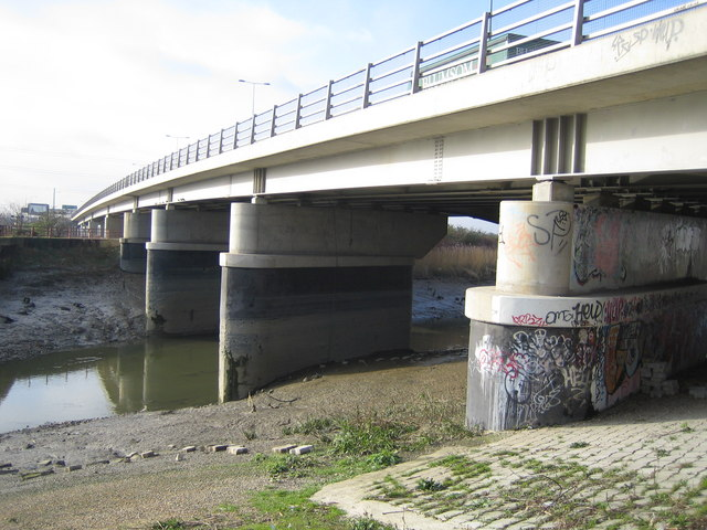 River Roding: The A13 Alfred's Way bridge