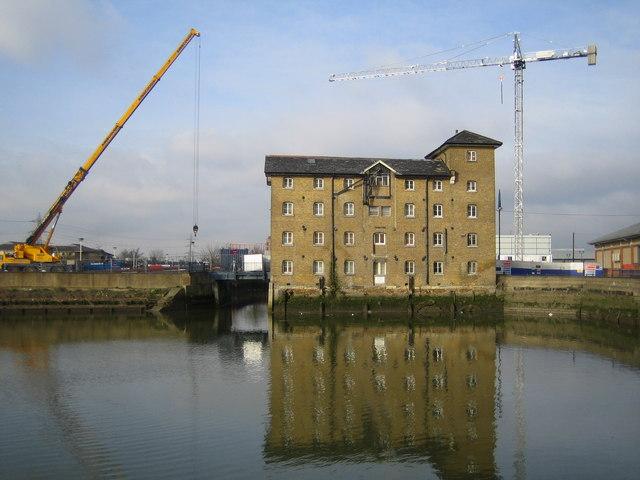 River Roding: Town Quay, Barking