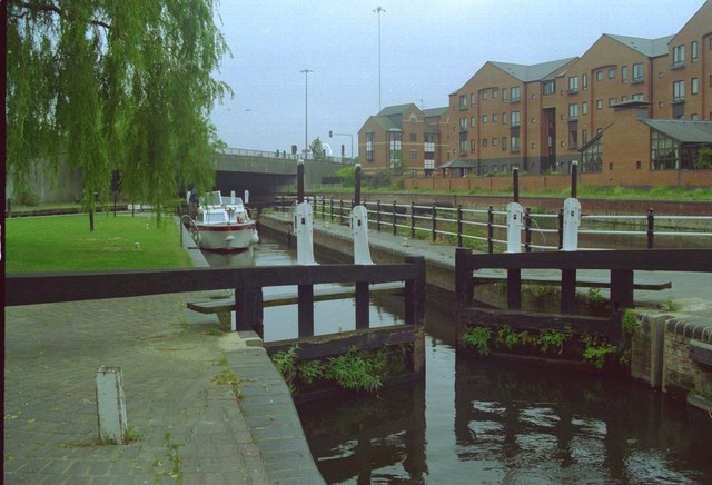 Boat going through County Lock