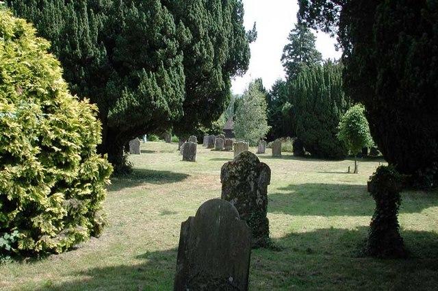 Plaxtol Church, Kent - Churchyard
