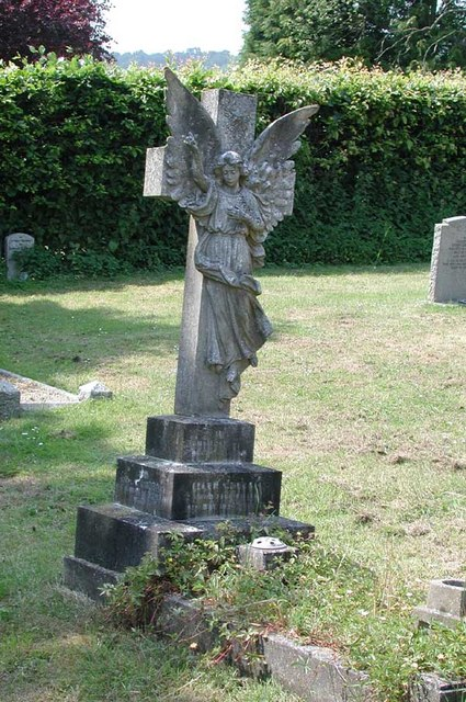 St Peter & St Paul, Trottiscliffe, Kent - Churchyard