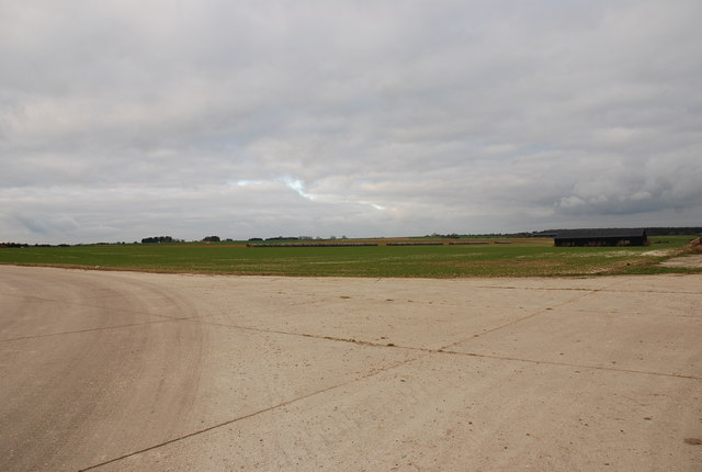 Tarrant Rushton airfield - taxistrip