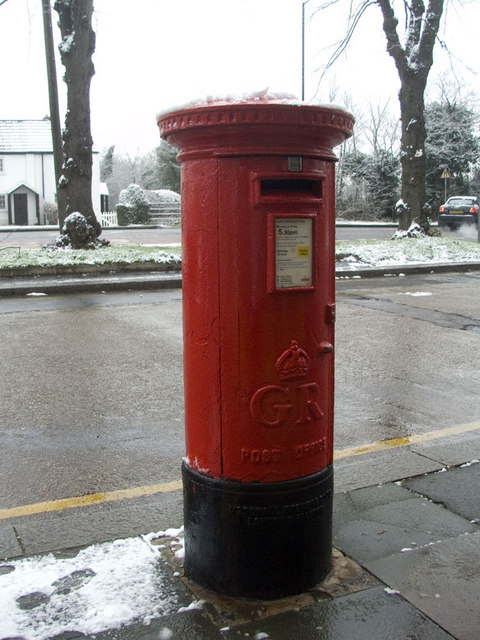 George V Large Pillar Box, Bramley Parade, N14