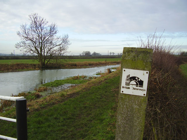 Grantham canal from Muston (Musson) Gorse Bridge