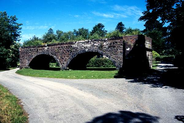 "Viaduct - remains of the ""Port Line"""