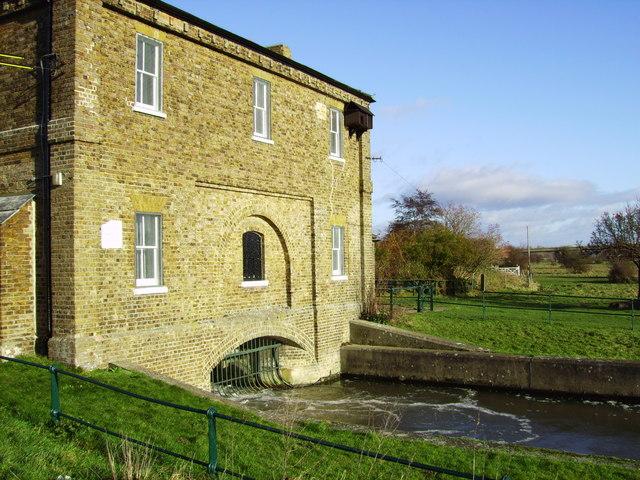 Gauge house on  River Lee / new river
