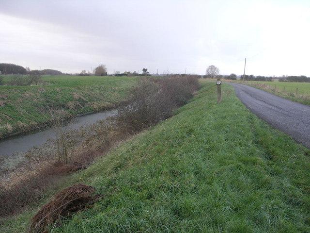 Car Dyke and Farm Road