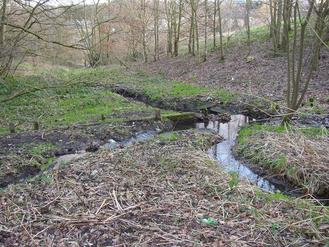 Wooden dam in Lower Fell Greave, Bradley, Huddersfield