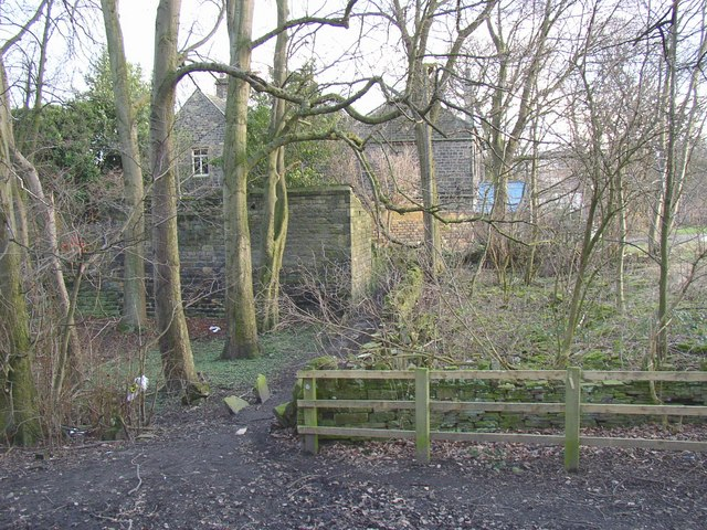 Footpath past Newhouse Hall, Sheepridge, Fartown, Huddersfield