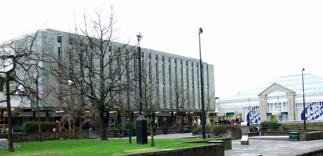 Clyde Square and Central Library