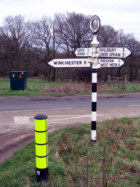 Signpost, Lane End Down