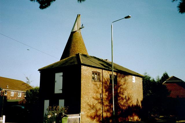 Putlands Oast, Maidstone Road, Paddock Wood, Kent