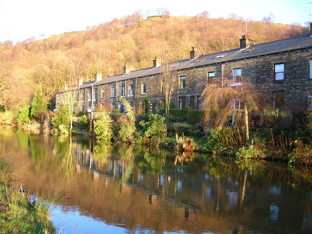 Cottages by the Rochdale Canal, Eastwood
