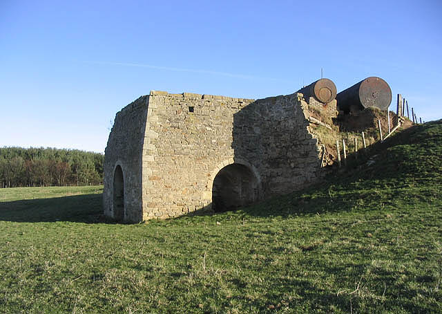 Old kiln near Burton Quarry