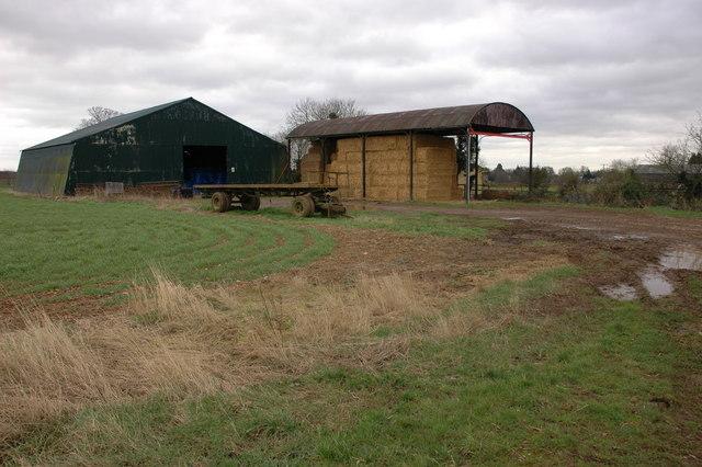 Barns near Aston Farm, Cherington