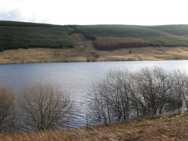 Across Glenquey Reservoir to Auchlinsky Hill
