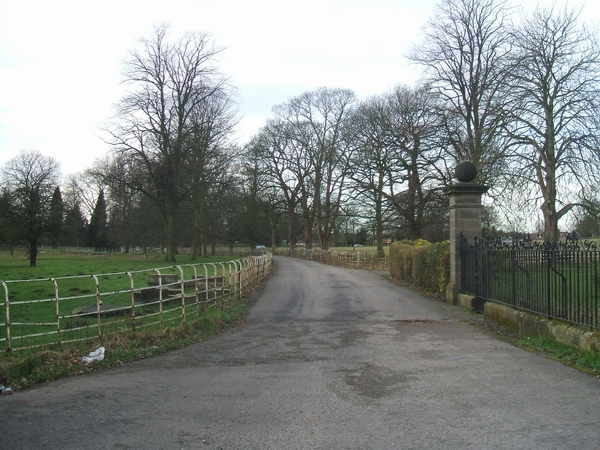 Driveway to Shenstone Court