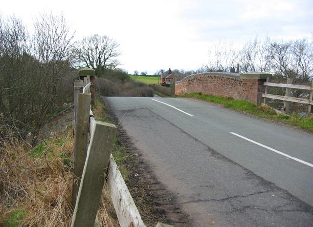 Disused railway bridge, Bawbrook