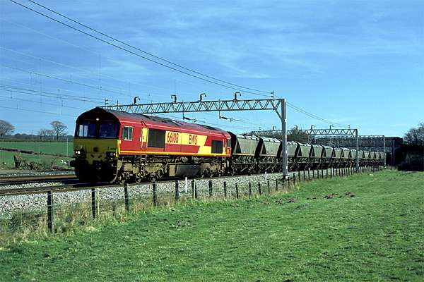 Northbound coal hoppers