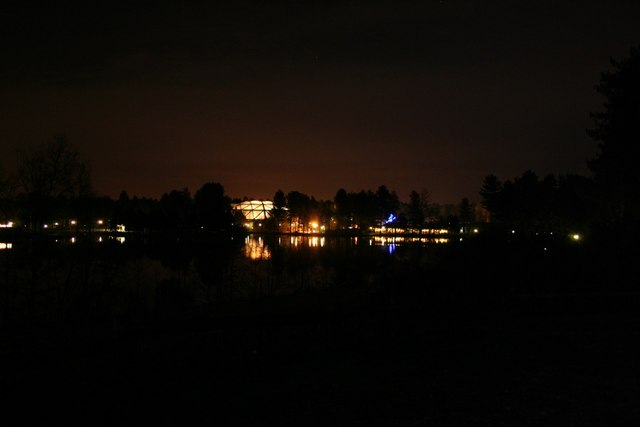 Center Parcs at night