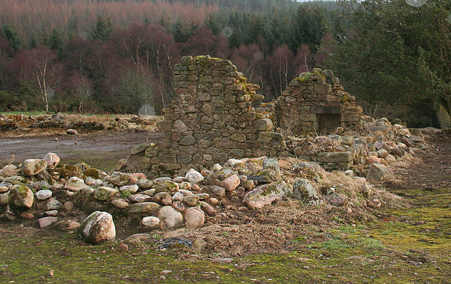 The cottage ruins at Easter Brylack.