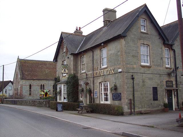 Royal Oak, Motcombe