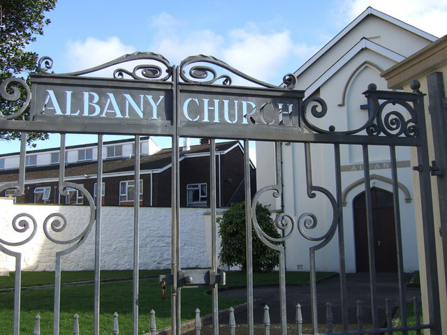 Albany Church gates in Hill Street