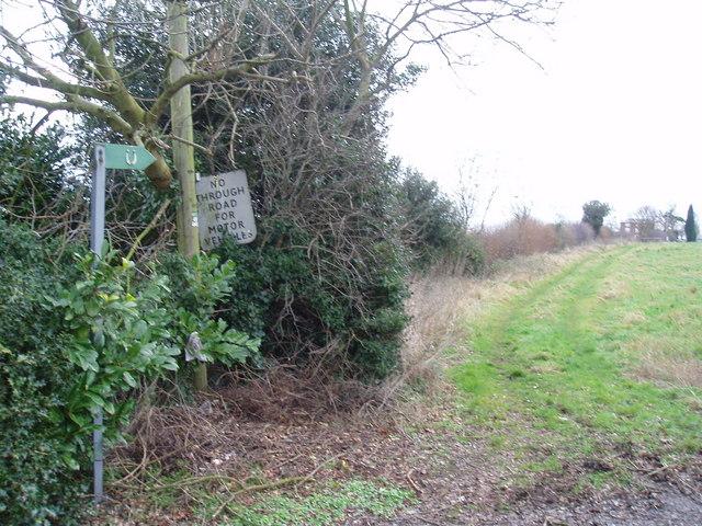 Footpath towards Upper Fields farm