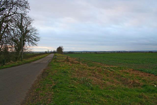 Farm road off Waddingham Road