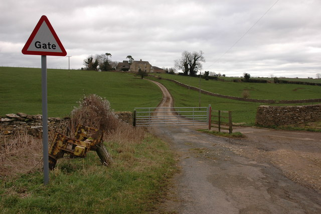 Gated road near Lowesmoor Farm