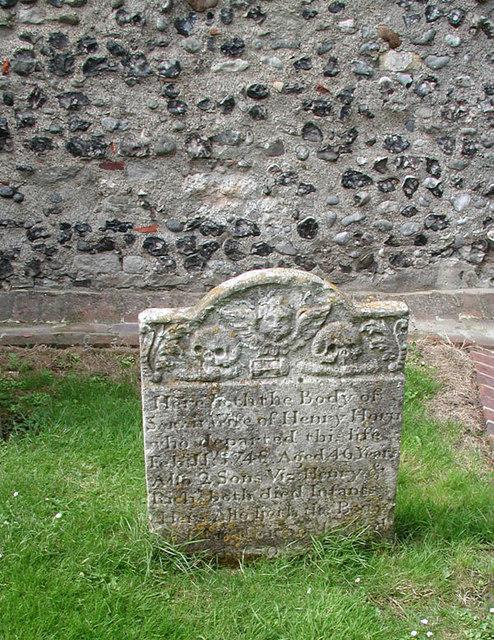 St Nicholas, Ash, Kent - Churchyard