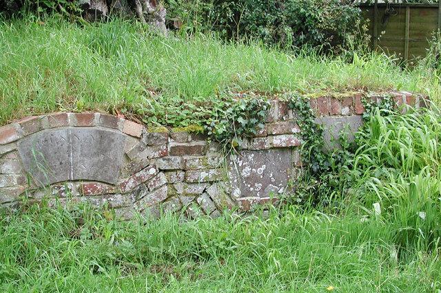 St Mary, High Halden, Kent - Churchyard
