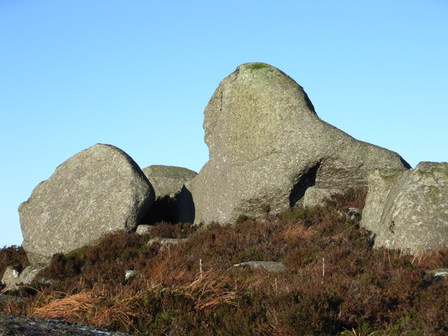 Boulders on Outcrop at 326m