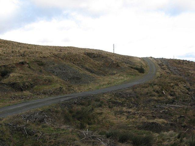 Road, head of the Kirk Burn