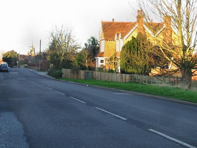 View along Sandwich Road into Ash.