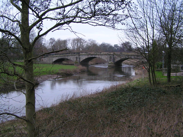 River Trent approaching Wolseley Bridge looking North East