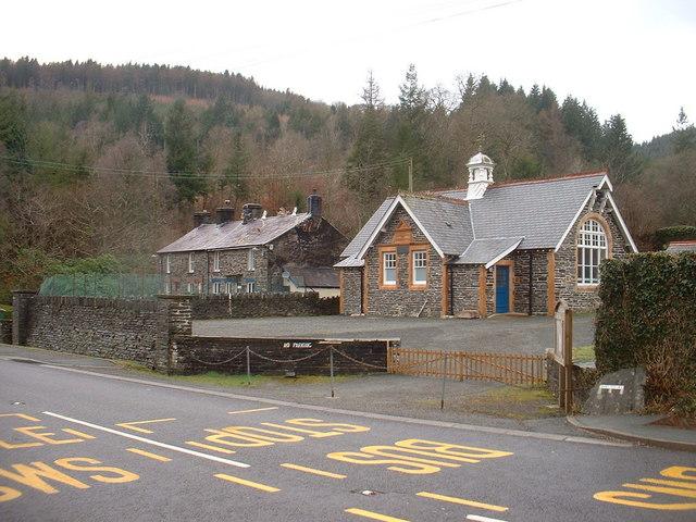 Pantperthog School