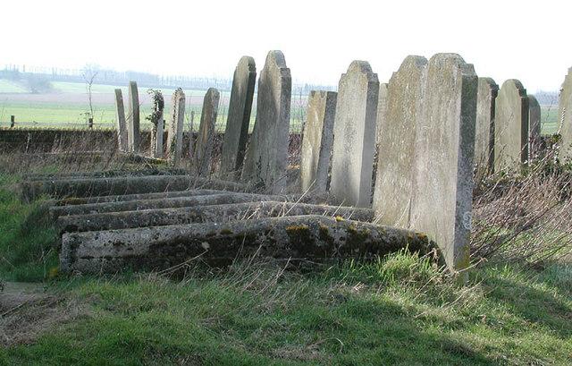 St Bartholomew, Goodnestone, Kent - Churchyard
