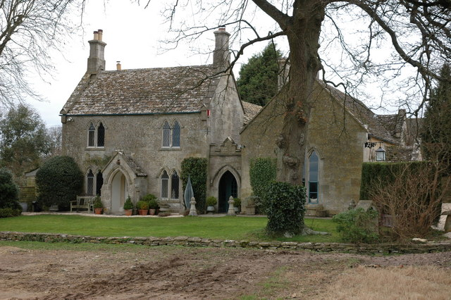 House in the village of Cherington