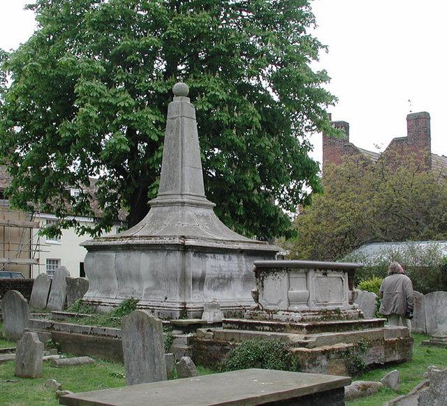 Holy Trinity, Queenborough, Kent - Churchyard