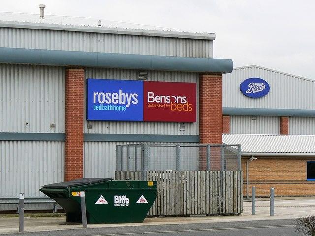 Logos, Greenbridge Retail Park, Swindon