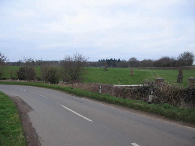 Paddock near Swangrove House