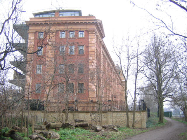 Harrods Depository building, Barnes