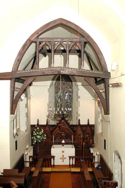 St Edmund King & Martyr, West Kingsdown, Kent - East end