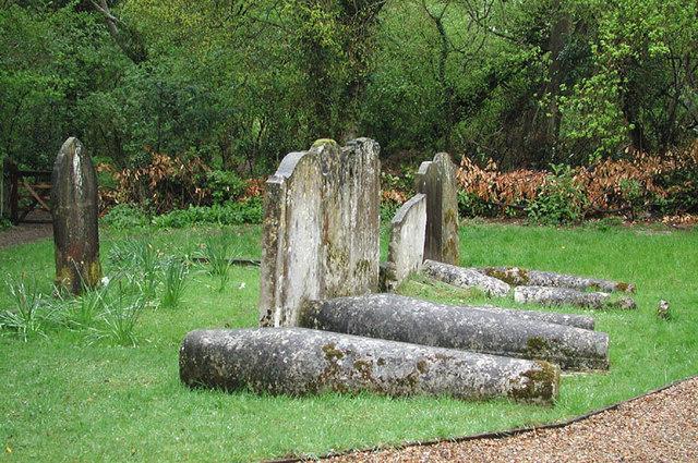 St Edmund King & Martyr, West Kingsdown, Kent - Churchyard